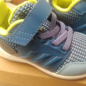 Adidas toddler size 5 shoes